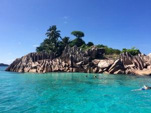 Kleine Insel zum Schnorcheln auf den Seychellen
