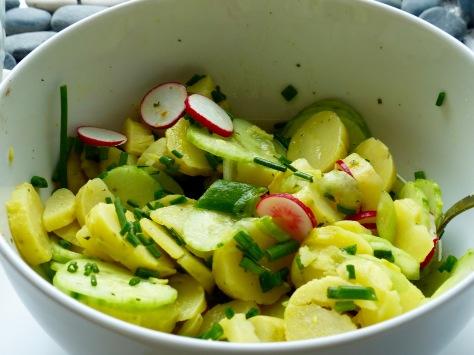 Bunter schwäbischer Kartoffelsalat