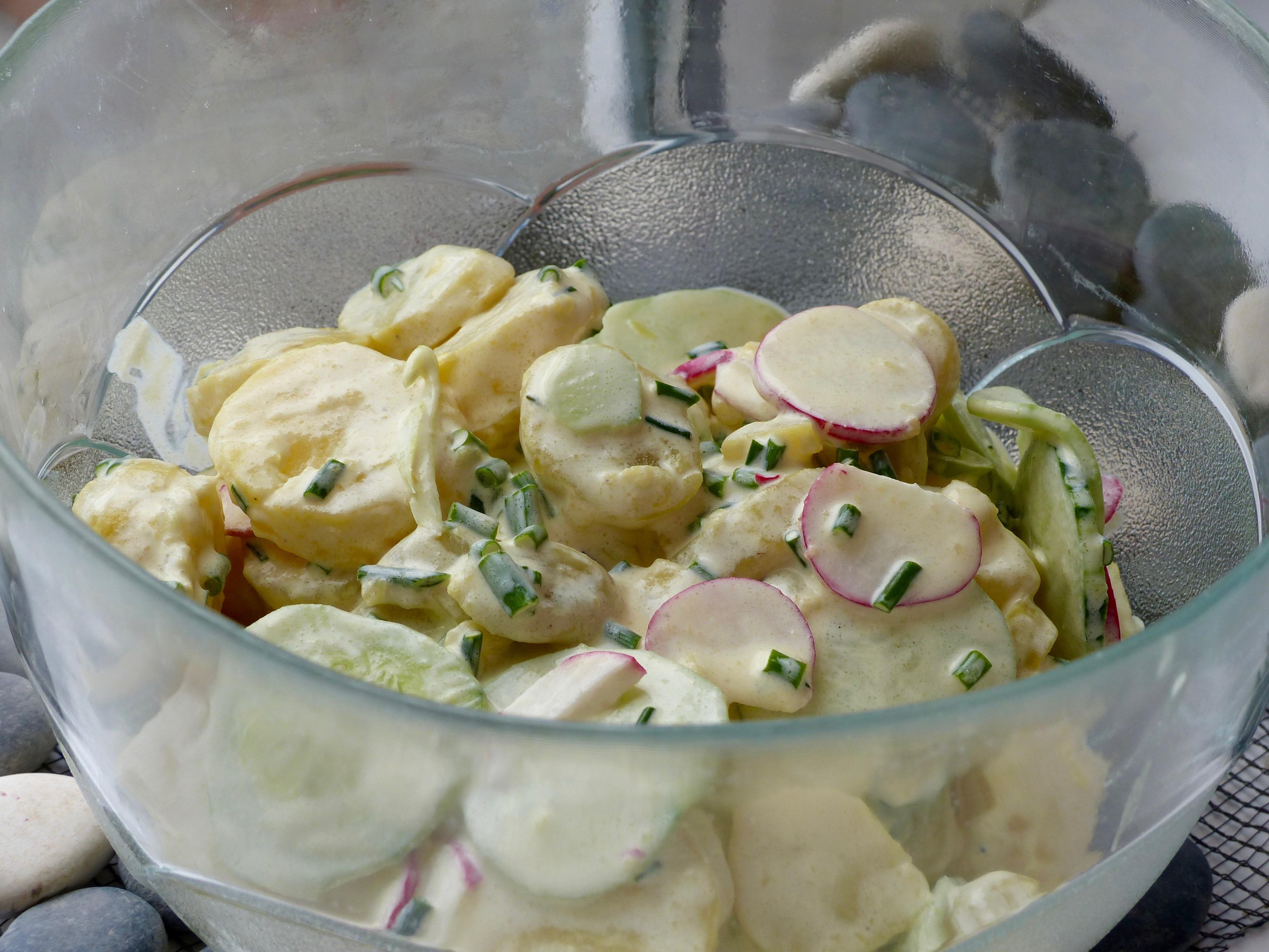 Rheinischer Kartoffelsalat mit selbst gemachter Mayonnaise
