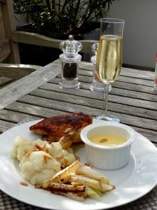 Ein leichtes Low Carb Sommergericht mit Perlwein