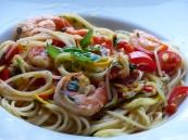 Zucchinispaghetti mit Sättigungsbeilage (Spaghetti) und Gambas