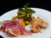 Vorspeise mit Avocado, Mango, Gamba und Melone